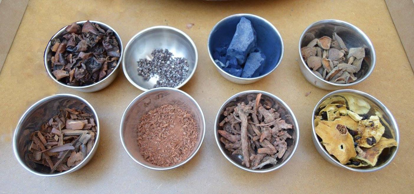 Χρωστικές ουσίες για φυτικές βαφές.