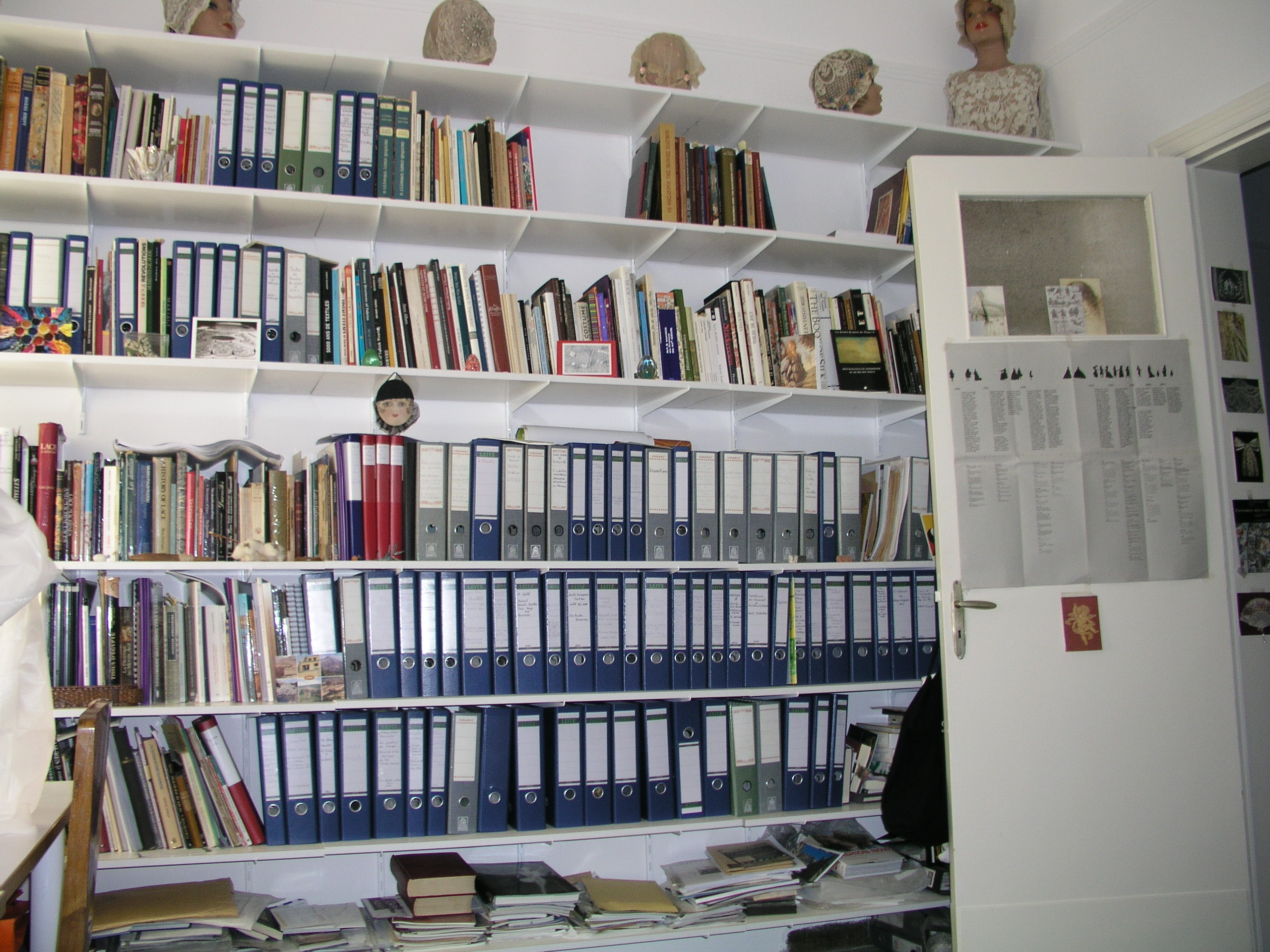 View of ARTEX' library  www.artextiles.org.