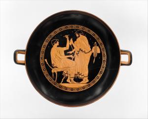 Men wearing himatia. Kylix of Douris, 480-470 BC. Metropolitan Museum (Public domain) | www.artextiles.org