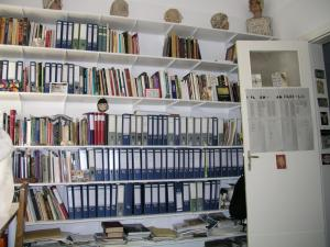 View of ARTEX' library| www.artextiles.org.